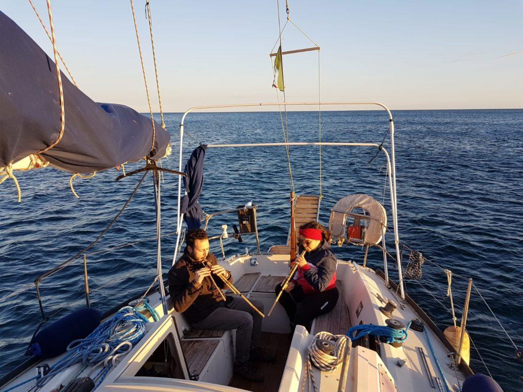 vivere in barca sardegna